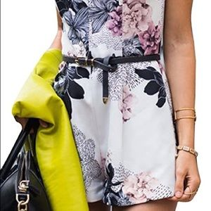 Women's Sleeveless Floral Romper S